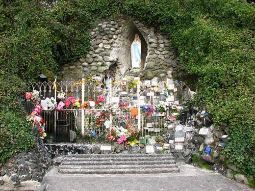 Gruta-de-Lourdes